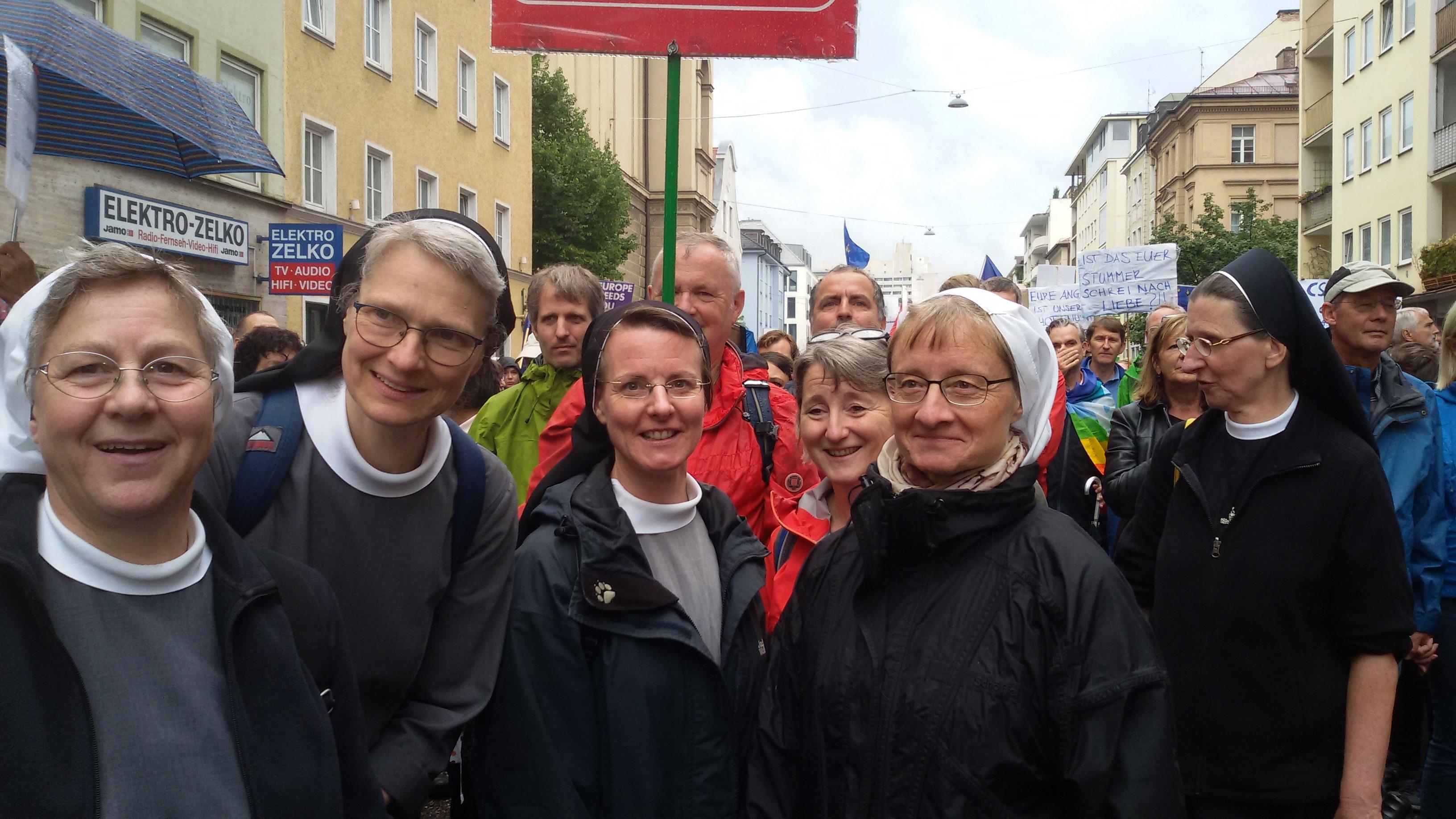 2018 Demo Ausgehetzt Gruppe3