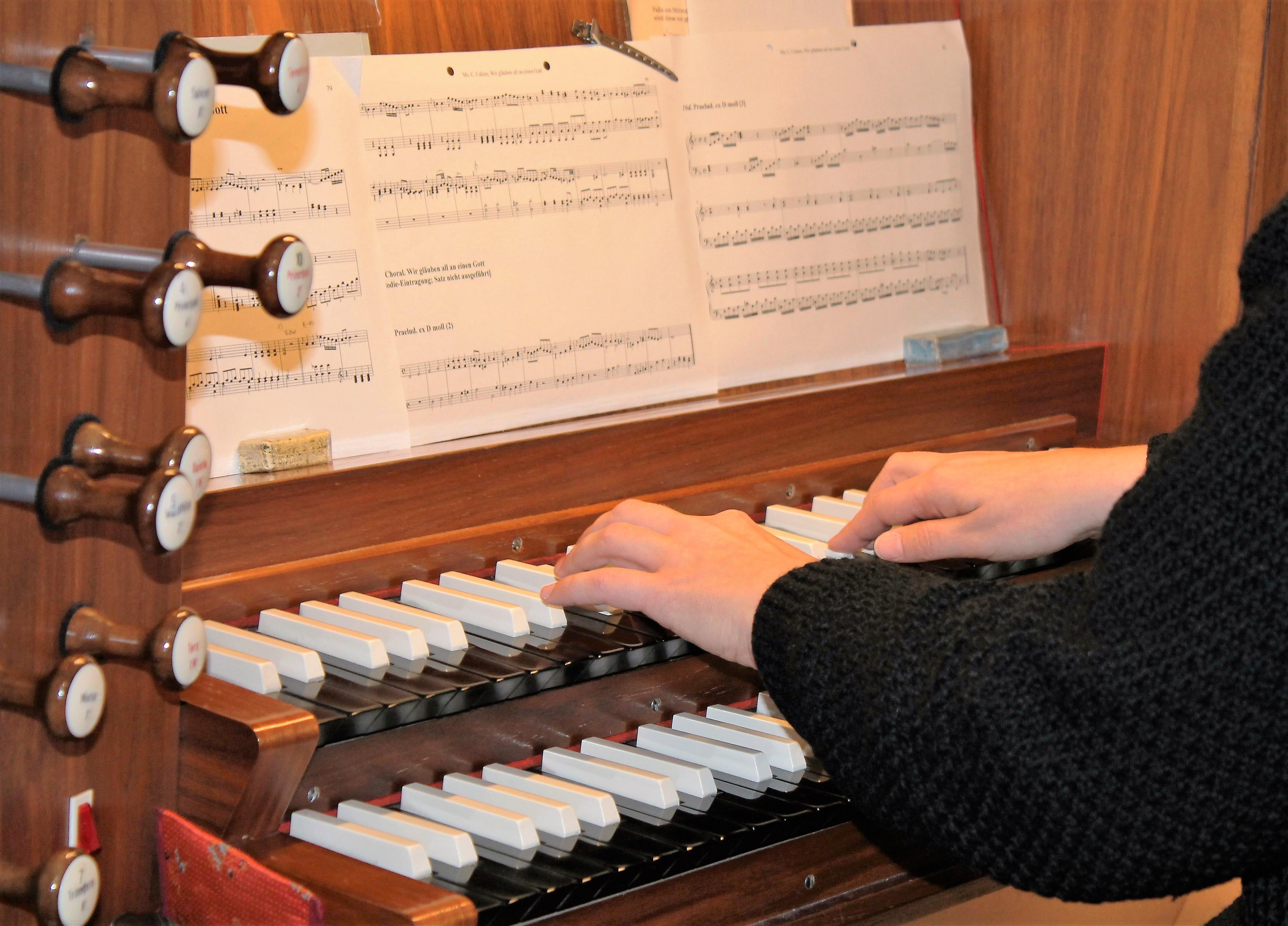 Orgelspieler1
